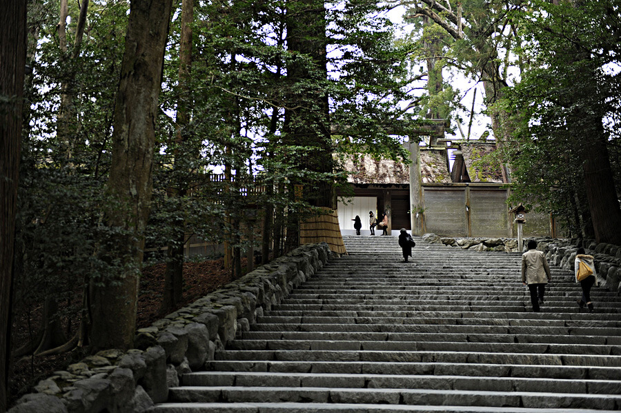 内宮の御正宮前の階段