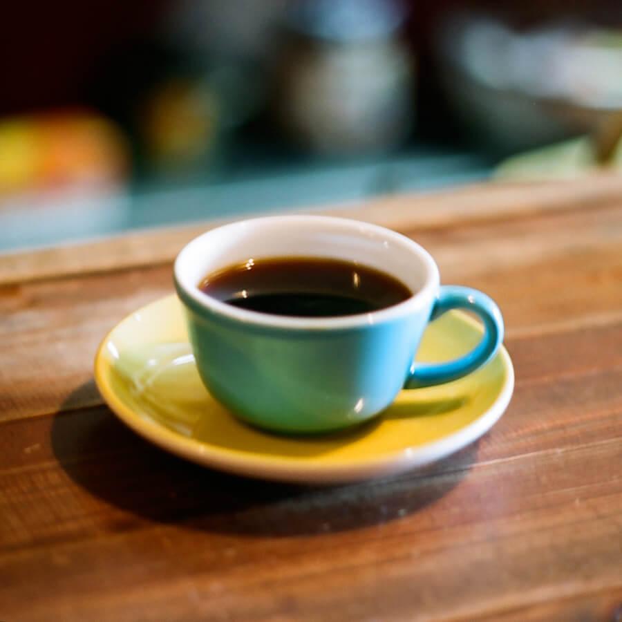 コーヒーカップ ティータイムのイメージ画像