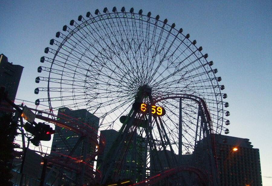 横浜を代表する観覧車画像