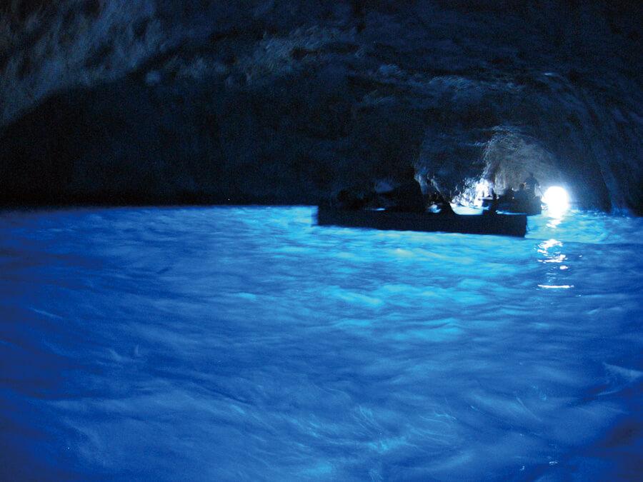 イタリア カプリ島の青の洞窟