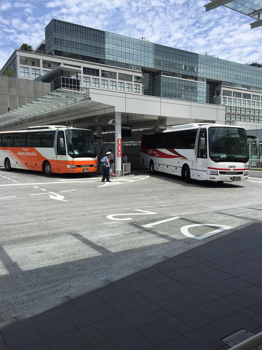 バスタ新宿4Fに来たバス