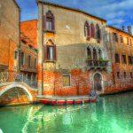 水の都イタリア・ヴェネツィア。実は水汚染が進み、もはや限界に近づいているという驚愕の噂が!ハネムーンで訪れるなら本当に今しかない!