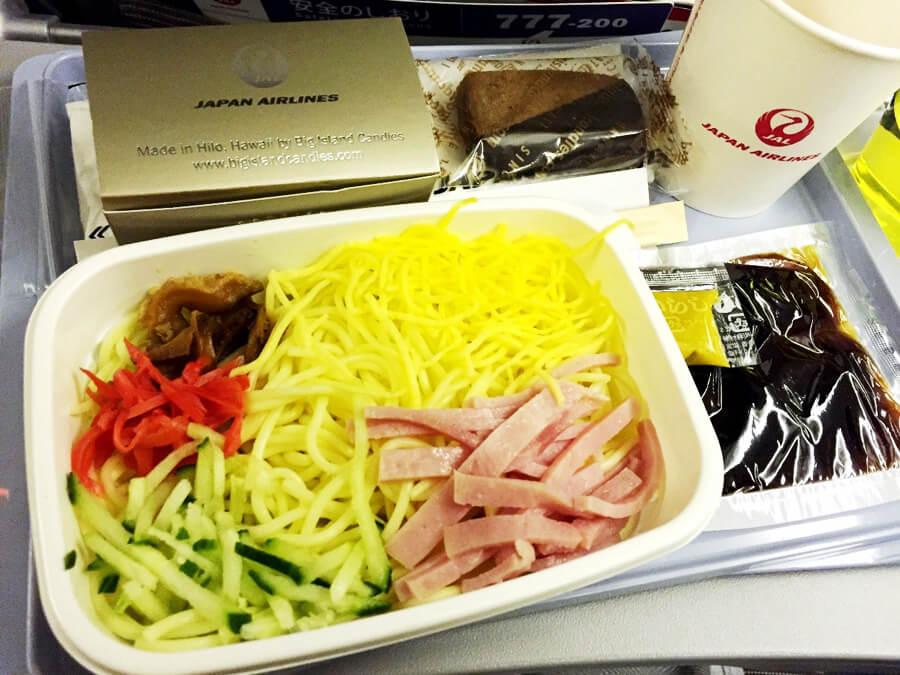 JAL機内食『冷やし中華とショートブレッド』