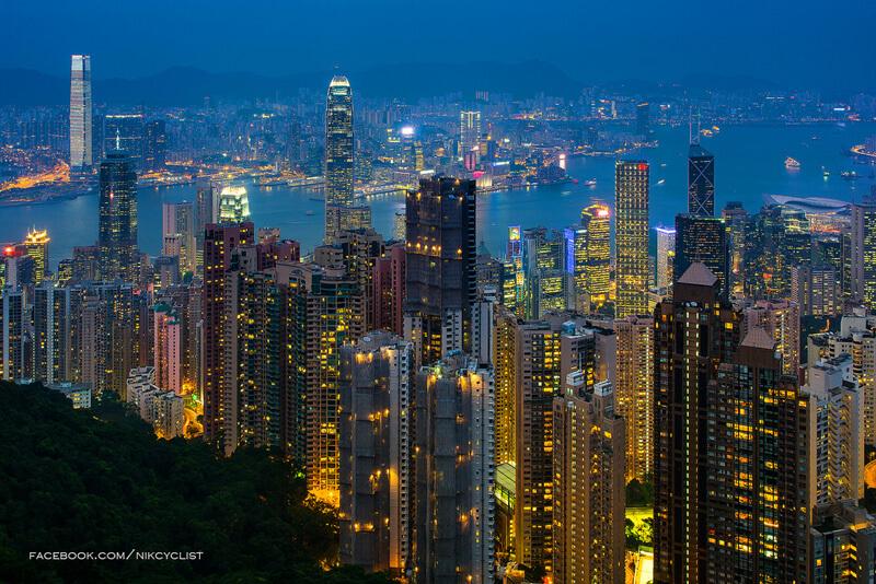 ローコストフライトの普及により、ますます人気の香港!週末だけを使って旅行に行くというのも、気軽にできるようになりました。香港といえば、グルメにショッピングと楽しみがいっぱいですが、短い滞在でもココだけは外せない!というオススメ観光スポット3選を、ご紹介いたします。