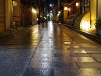 雨に濡れた石畳