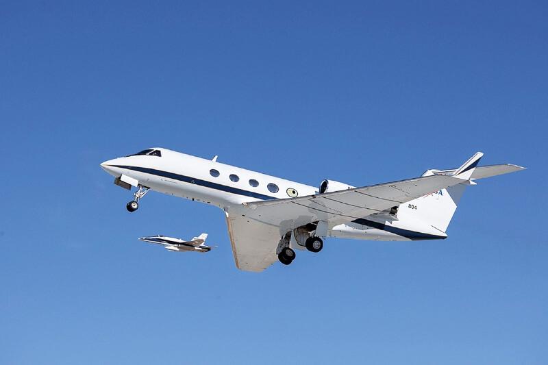"""数々のセレブを魅了する豪華な空旅!自分だけのフライトプランを叶えてくれる""""プライベートジェット""""とは"""