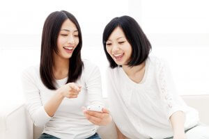 スマートフォンと女性