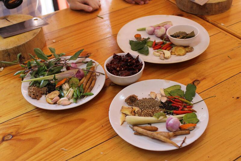タイ料理をつくるイメージ