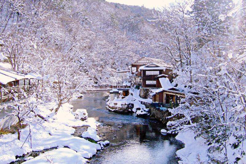 カップルに超オススメ!日本国内で混浴が楽しめるロマンチックな雪見温泉宿4選☆