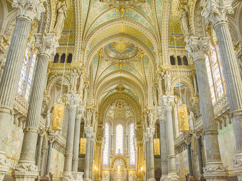 フルヴィエール・ノートルダム大聖堂の内部