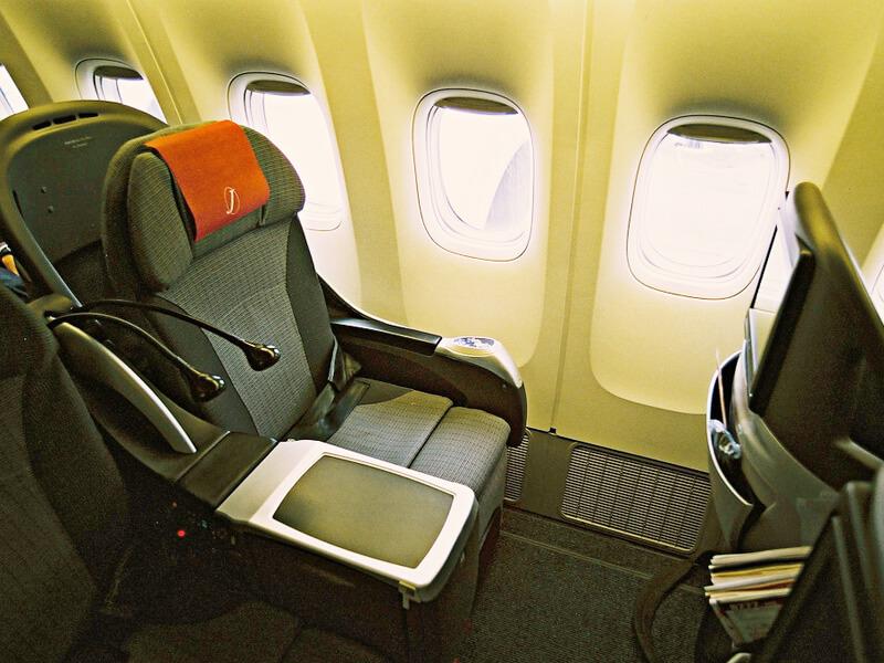 クラスJ 座席
