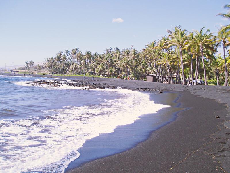 プナルウブラックサンドビーチ