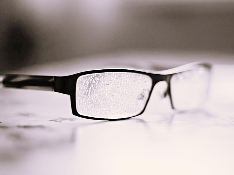 結露するメガネ