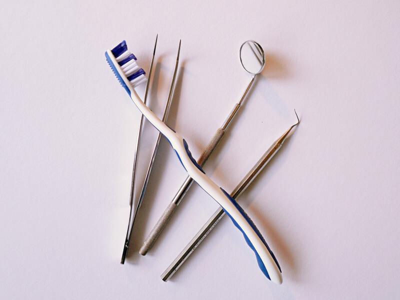 歯医者での医療器具