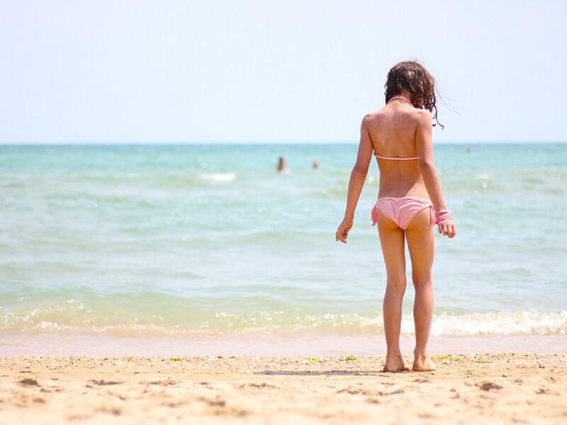 ビーチ 女の子