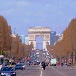 女子たちの永遠の憧れ、パリのシャンゼリゼ通りに行ってみたい!