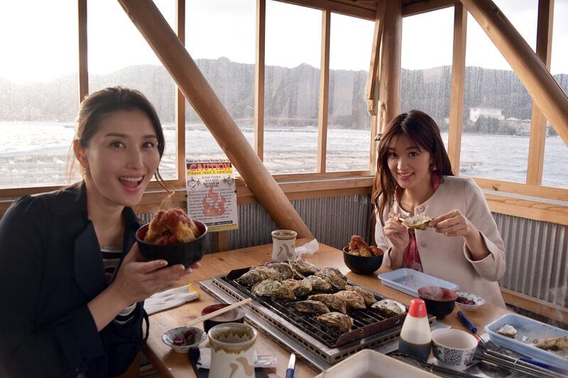 橋本マナミと葉加瀬マイが三重県・伊勢志摩でパワースポット巡り。焼き牡蠣食べ放題などグルメも堪能!
