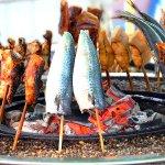 八戸の巨大朝市「館鼻岸壁朝市」が楽しすぎる!おすすめグルメを食べつくそう♪