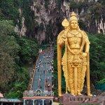 巨大な鍾乳洞はヒンドゥー教の聖地!マレーシアの「バトゥ洞窟」ってどんなところ?