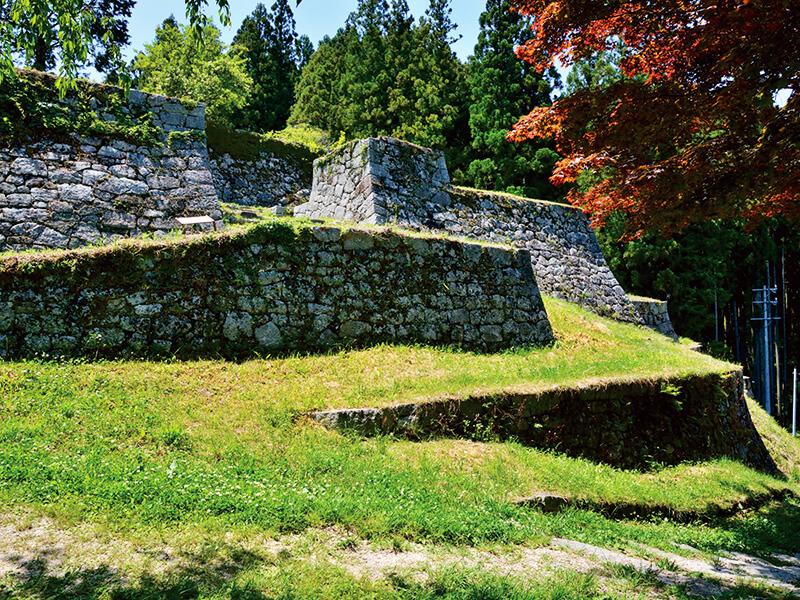 石垣が美しい岩村城