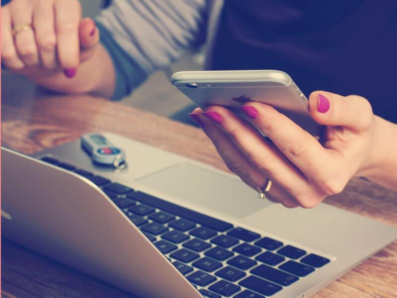 デジタル依存の現代人