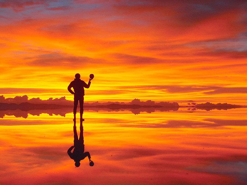 マジックアワーのウユニ塩湖
