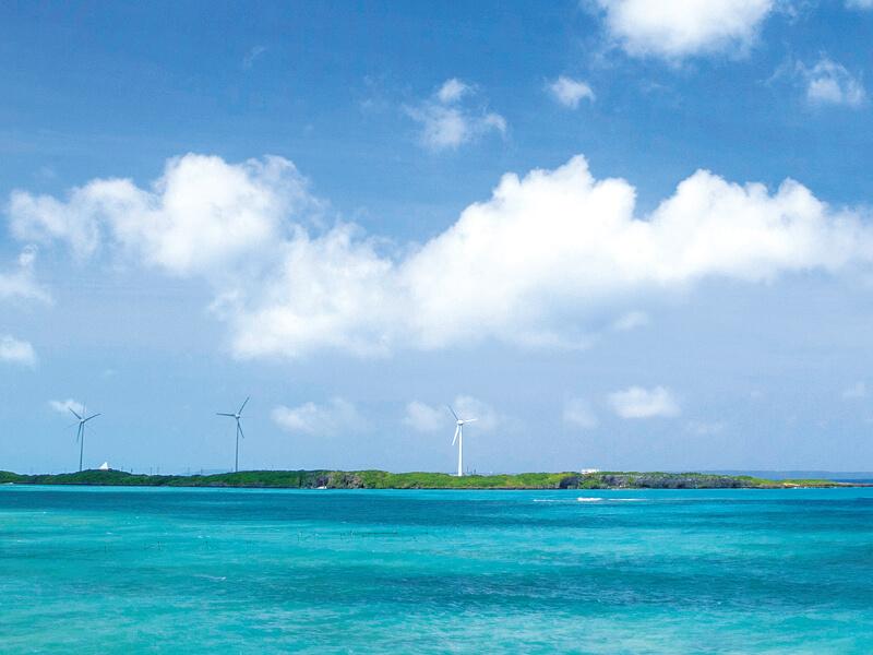 西平安名岬の風車