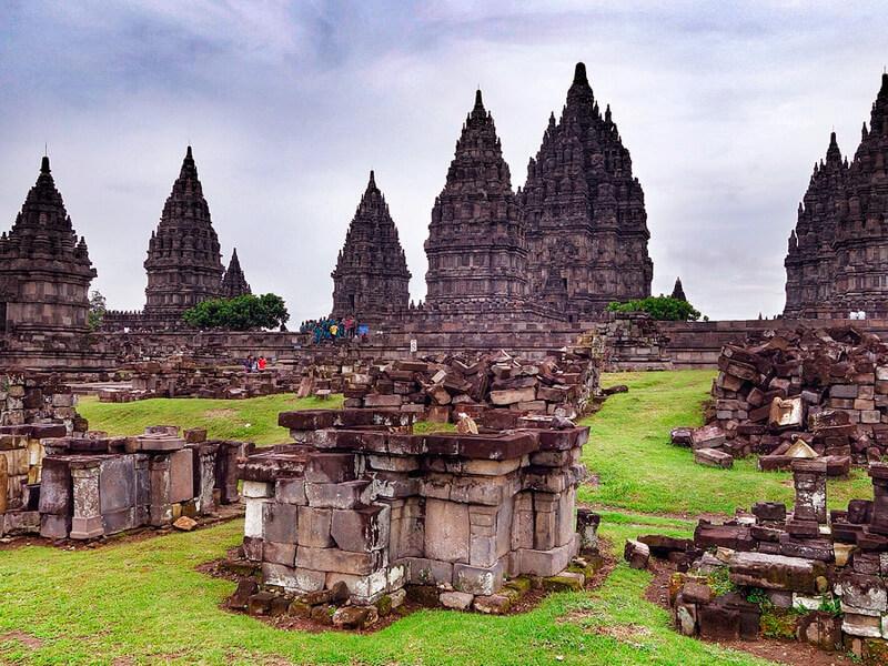 プラン・バナン寺院群
