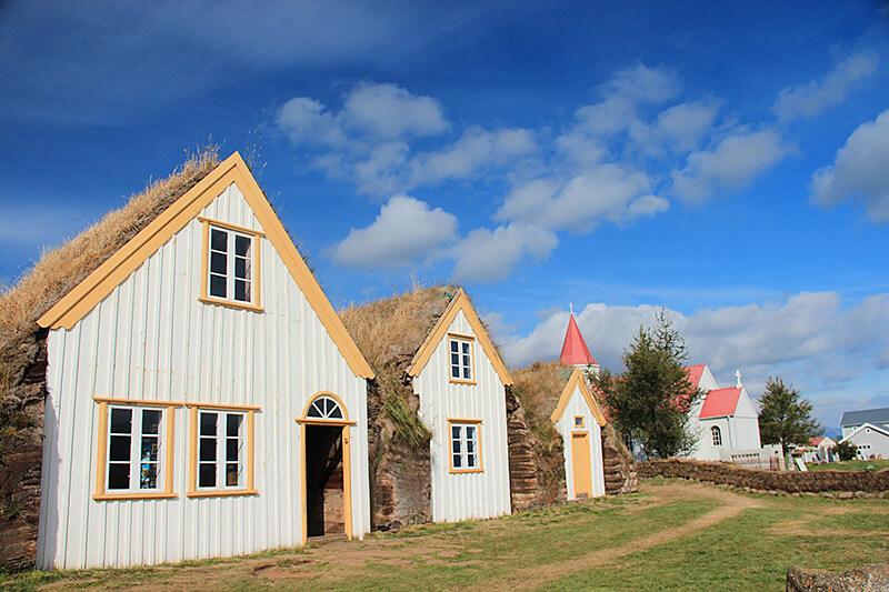 芝生の家3