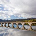 ある時期しか見られない幻の橋、北海道のタウシュベツ川橋梁!
