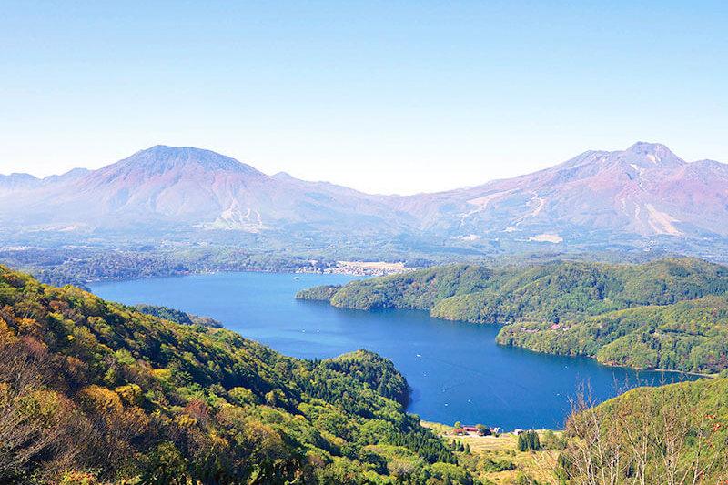 絶景テラスで雲海も見られちゃう?長野県のタングラム斑尾東急リゾートの「野尻湖テラス」