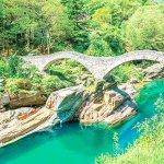 この透明度、信じられますか?!スイスにある秘境「ヴェルザスカ渓谷」が美しすぎ♪