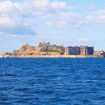 世界文化遺産に登録された美しい廃墟…長崎県の「軍艦島」に行ってみよう!