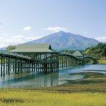 CMで話題の絶景!ザ・日本の風景に会える場所「鶴の舞橋」へ。