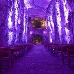 幻想的な世界にウットリ♪南米コロンビアにある「塩の教会」の美しさがもはや奇跡!