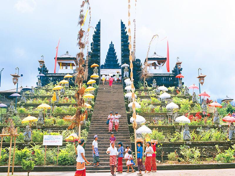 ブサキ寺院 バリ・ヒンドゥー教総本山