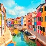 ベネチアから日帰りで行ける「ブラーノ島」☆色トリドリの街並みが感動するくらい可愛い!