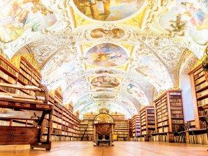 チェコ ストラホフ修道院図書館
