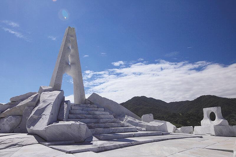 広島県「未来心の丘」が綺麗!瀬戸内海を一望する景色がまるでサントリーニ島のよう♪