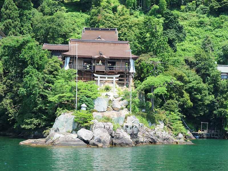 竹生島・法厳寺