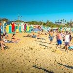 砂浜を彩るカラフルな小屋が可愛い♪メルボルンの「ブライトンビーチ」