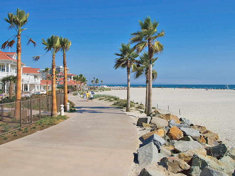 サンディエゴのビーチ沿い