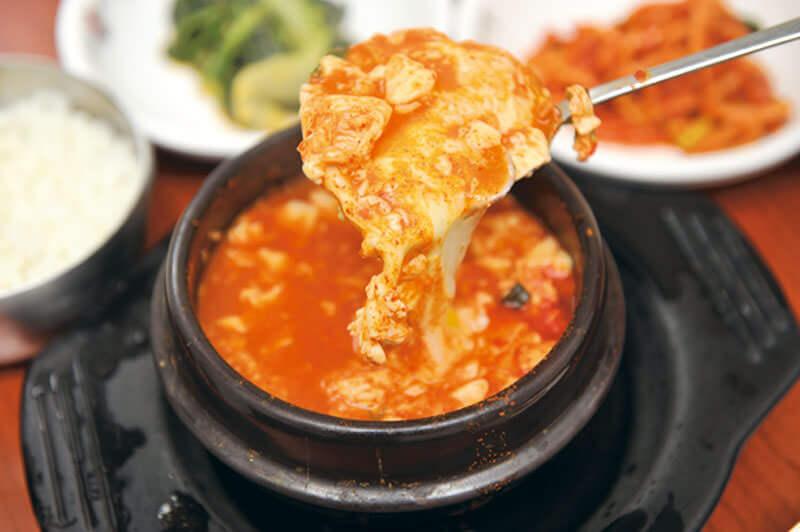 スンドゥブチゲ。写真提供:韓国観光公社
