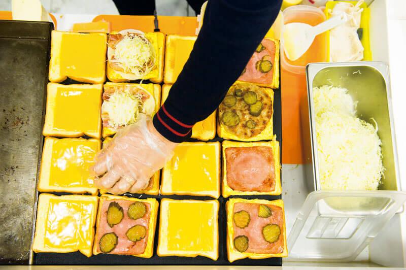時間がない人はトーストやキンパで。写真提供:韓国観光公社