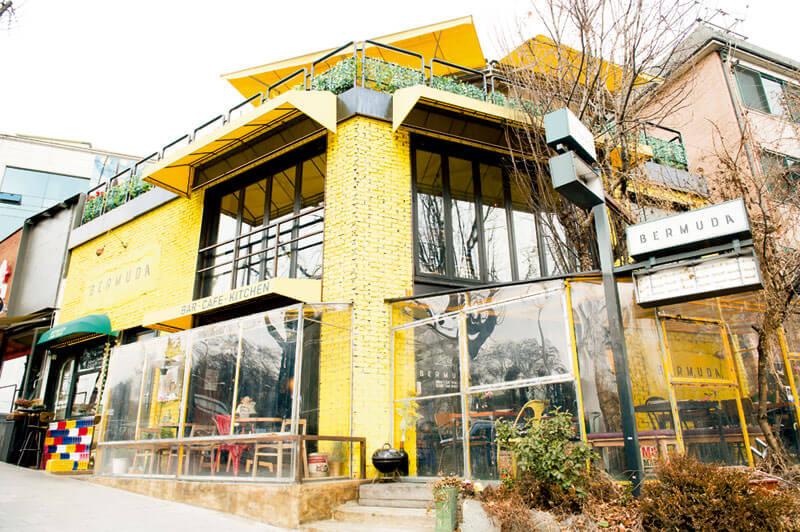 異国情緒たっぷりのカフェ。写真提供:韓国観光公社