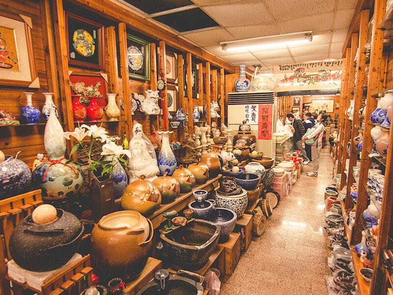 鶯歌老街の陶器店