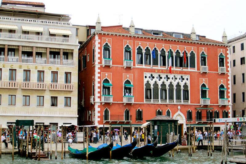 イタリア・ヴェネツィアの豪華宮殿ホテル「ホテル・ダニエリ」が夢のように素敵♪