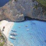 息を呑むほどの蒼い海!一度は行きたい地中海のザキントス島をご紹介