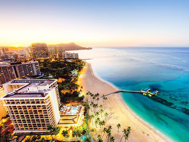 ハワイのビーチリゾートの画像