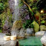 万葉集にも詠まれている湯河原温泉!「万葉公園」散策と「独歩の湯」で足湯を楽しもう!